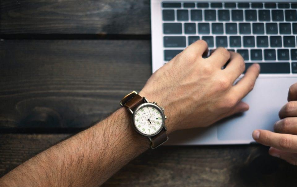 how to stick to deadlines - devops artisantisan